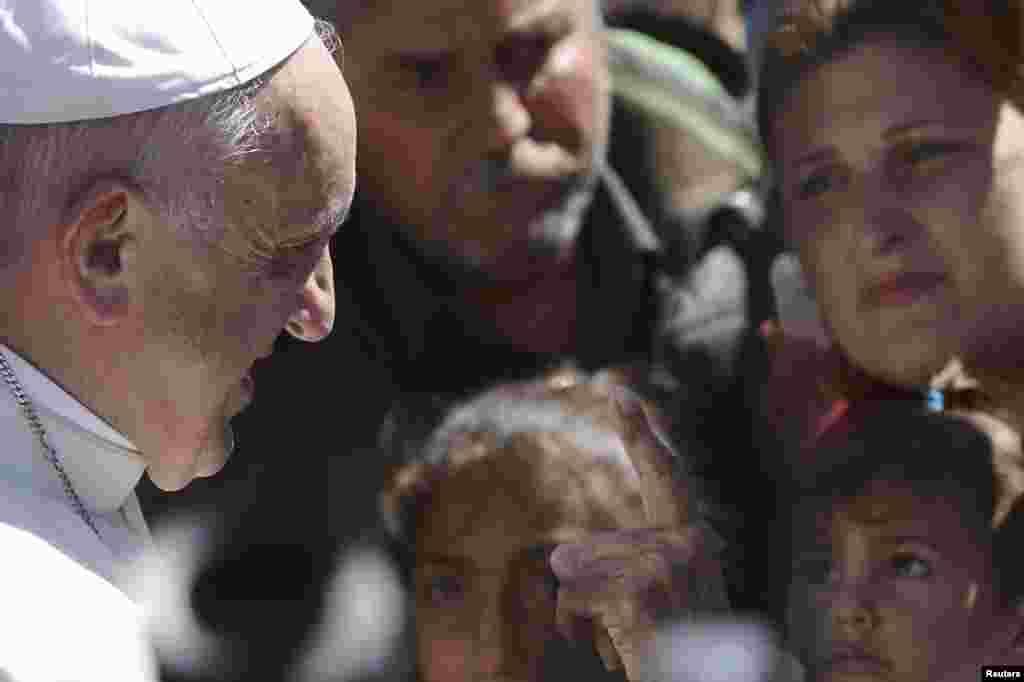 ВАТИКАН - Поглаварот на Римокатоличката црква, Папата Франциск изјави дека политичките говори во кои се зборува против мигрантите и сиромашните се неприфатливи.