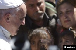 Papa Franjo u izbjegličkom kampu, Lezbos, 16. april 2016.