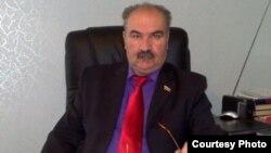Отстраненный от руководства Компартией в середине марта Валерий Казиев в своем открытом письме обвинил экс-лидера коммунистов Станислава Кочиева в том, что именно он ведет кампанию против него