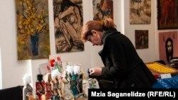 Женщины в ходе проекта обучались различным ремеслам, прикладному искусству и азам ведения бизнеса. Лучшие бизнес-идеи были воплощены в жизнь: 52 женщины получили возможность начать собственное дело и сегодня руководят малыми предприятиями