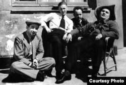 Иосиф Григулевич, Роман Кармен, Лев Василевский и Григорий Сыроежкин в Испании, 1937