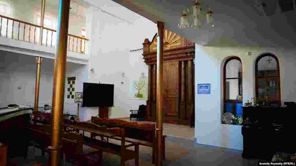 В синагоге Эгия Капай