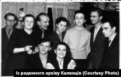 Львівське студенство. Ігор Калинець – другий праворуч
