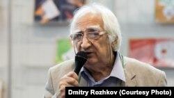 Поэт Александр Тимофеевский на ММКВЯ-2011 (фото: Dmitry Rozhkov)