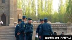 Өзбекстандагы милиция кызматкерлери