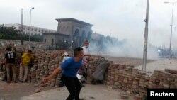 مواجهات بين انصار مرسي وقوات الامن(الارشيف)