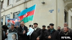 Azerbaýjanyň Sabirabad raýonynyň ýaşaýjylary protestde. 5-nji ýanwar, 2010