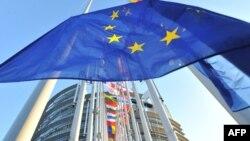 В сравнении с недавними заявлениями европейских политиков тональность отчета о визите в Грузию кажется значительно мягче – тон документа скорее примирительный