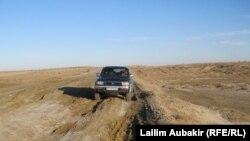 Қарақұм ауылының маңындағы жол. Арал өңірі, 11 қараша 2010 жыл