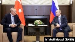 Турскиот претседател Реџеп Таип Ердоган и рускиот претседател Владимир Путин во Сочи