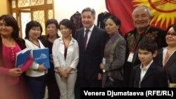 Форумдун катышуучулары. Сан-Марино, 12-апрель, 2013.
