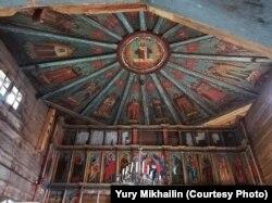 Внутренне убранство церкви – расписные небеса