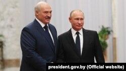Аляксандар Лукашэнка з расейскім калегам Уладзімірам Пуціным