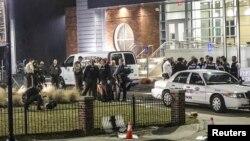 Pamje e pjesëtarëve të policisë amerikane