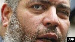 Muslim cleric Mustafa Kamal Mustafa, also known as Abu Hamza al-Masri, in a 2003 photo