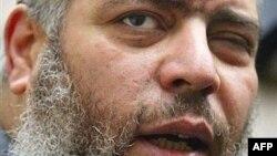Радикальный исламский проповедник Абу Хамза аль-Масри
