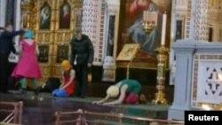 Панк-молебен в Храме Христа Спасителя расценен арт-сообществом как произведение искусства