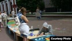 """Каждый художник получает в качестве полотна для своего произведения один сегмент Лавки Мира. [Фото — <a href=""""http://museum.ru"""" target=_blank>«Музеи России»</a>]"""