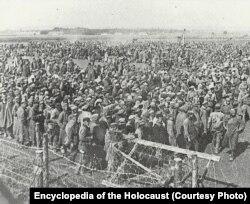 Польшадағы нацистік концлагерьлердің бірі. 1944 жылғы шілде. Көрнекі сурет