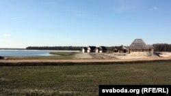 Турыстычны комплекс каля возера недабудаваны