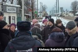 Жители Шимского района протестуют против закрытия местной больницы