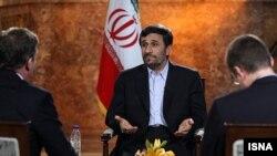 محمود احمدینژاد، عکس متعلق به مصاحبه او با تلویزیون دانمارک
