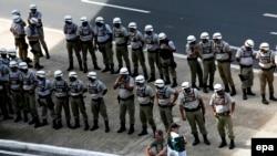 Сотрудники сил безопасности Бразилии во время спортивного мероприятия в бразильском городе Салвадор. Иллюстративное фото.