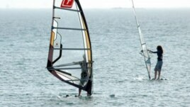 Windsurfing in Avaza