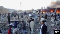Кветтадағы жарылыс болған базар маңы. Пәкістан, 16 ақпан 2013 жыл.