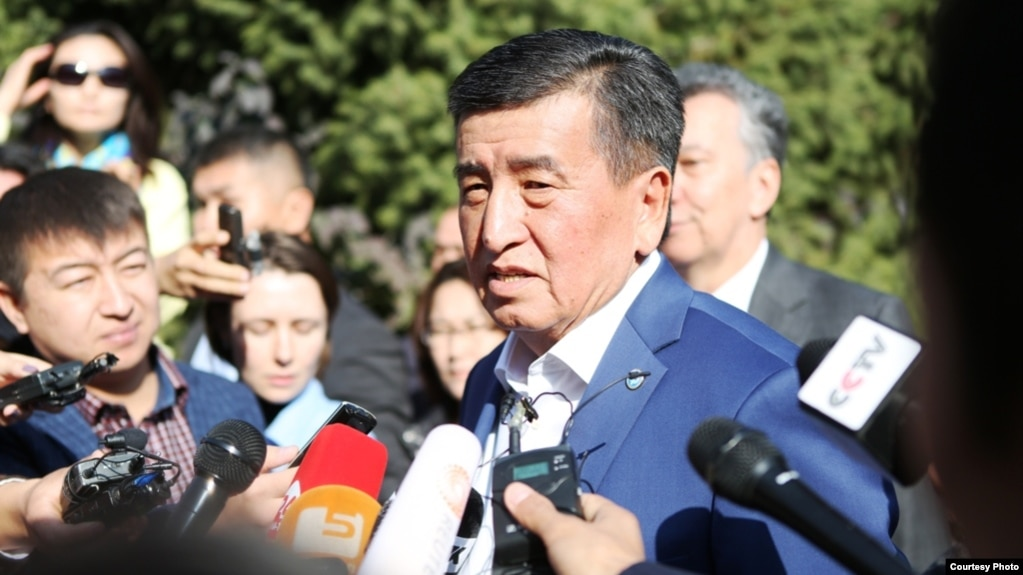Қырғызстандағы президент сайлауына түсіп жатқанкандидат Сооронбай Жээнбеков.