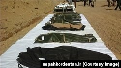 سپاه کردستان میگوید این اجساد متعلق به پیشمرگههای حزب کردستان ایران است.