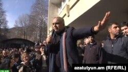 Րաֆֆի Հովհաննիսյանը Կապանում, Սյունիքի մարզ, արխիվ