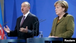Prezident İlham Əliyev Almaniyaya səfəri zamanı kansler Angela Merkellə birgə mətbuat konfransında, Berlin, 21 yanvar 2015