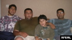 Romska porodica, Foto: Drago Hedl