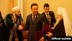 Сулдан: мөфти Камил Сәмигуллин, премьер Илдар Халиков, митрополит Феофан