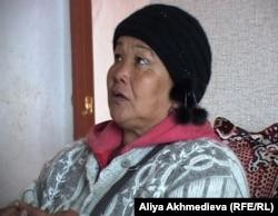 Нурбике Машаева, жительница поселка Кызылагаш. Во время наводнения в марте 2010 года погибло шесть родственников. Алматинская область, 19 октября 2011 года.