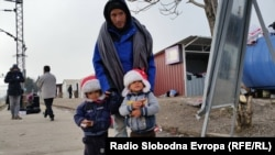 Macedonia - Shelter for migrants in Tabanovce on Macedonian-Serbian border, 7 December 2015