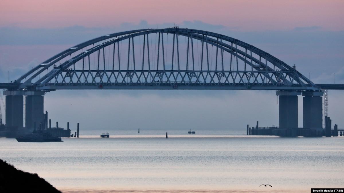 Закрыть порты ЕС судов России и подготовить санкции призвал Европарламент