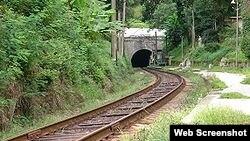 Идея восстановления железнодорожного сообщения вызвала неоднозначную оценку