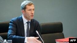 Поль Маньетт, глава Валлонии, выступает в региональном парламенте по вопросу о договоре ЕС с Канадой, 21 октября 2016