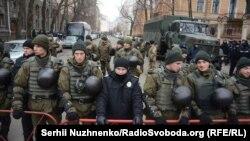 Ілюстраційне фото. Правоохоронці під час однієї з акцій протесту, Київ, 21 листопада 2016 року
