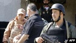 Homs. Bombaçylaryň Siriýanyň howpsuzlyk güýçlerine eden hüjümlerinde 42 adam öldi.