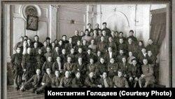 И. Сталин в Барнауле с участниками совещания. 22 января 1928 г.