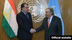 Президент Таджикистана Эмомали Рахмон и генеральный секретарь ООН Антониу Гутерреш