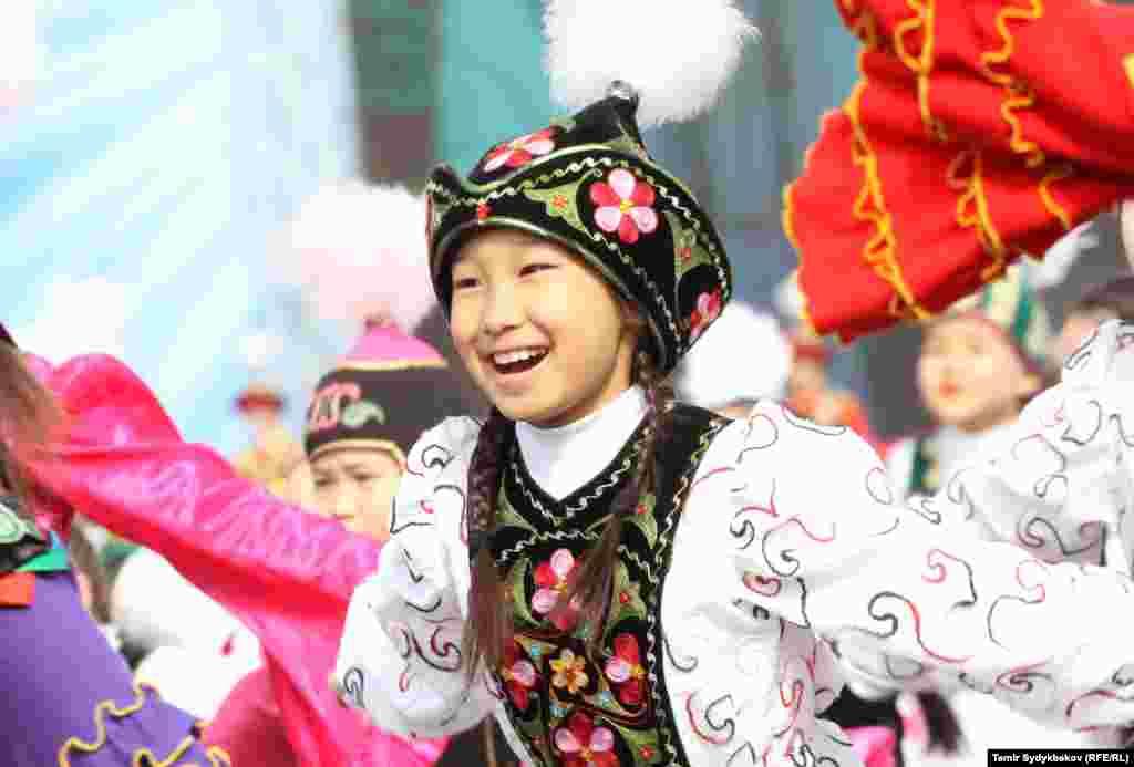 В Бишкеке проходили концерты, ярмарки и спортивные мероприятия.