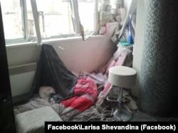 Так жилье Олега и Ларисы Шевандиных выглядело после обстрелов