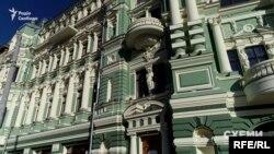Мерії в будинку належить площа всього в 13 кв. м. А левова частка – юрособам, пов'язаним із одним впливовим одеським бізнесменом