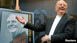 داریو فو، هنگام رونمایی از تمبر یادبود خود در سوئد