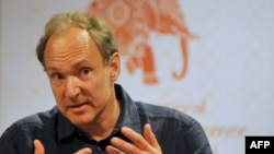 Shpikësi i internetit, Tim Berners-Lee.
