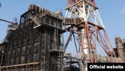 Атырау мұнай өңдеу зауытындағы ЭЛОУ-АТ-2 қондырғысы. Сурет зауыттың вебсайтынан алынды.